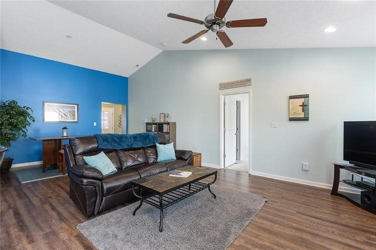 12238 Rally Court Noblesville, IN 46060 | MLS 21667979 | photo 4