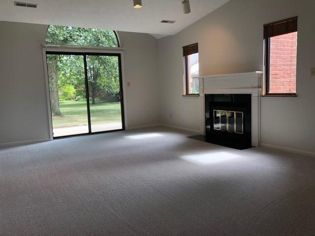 2202 Emily Drive Indianapolis, IN 46260 | MLS 21668025 | photo 3
