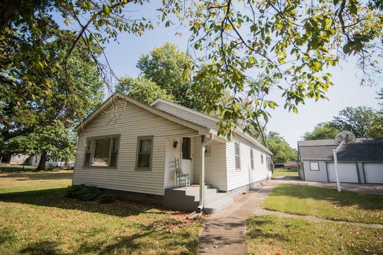 5041 S State Avenue Indianapolis, IN 46227 | MLS 21668062 | photo 1