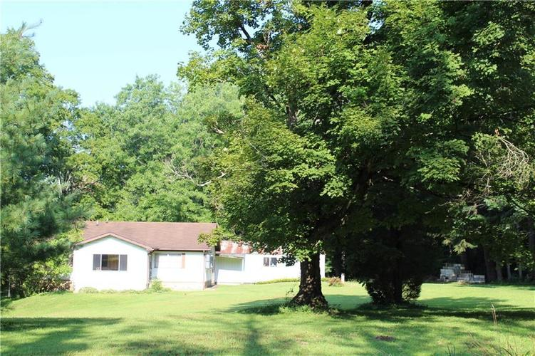6830 State Road 39 Martinsville IN 46151 | MLS 21668080 | photo 1