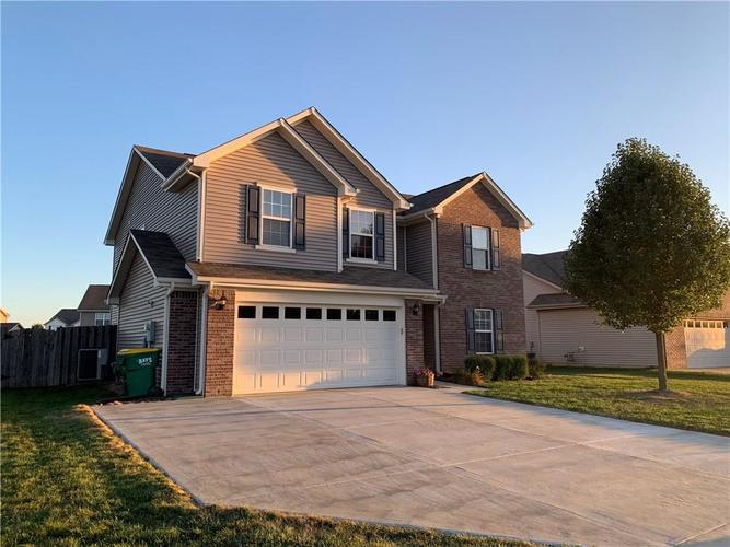 8469 Templederry Drive Brownsburg IN 46112 | MLS 21668087 | photo 1