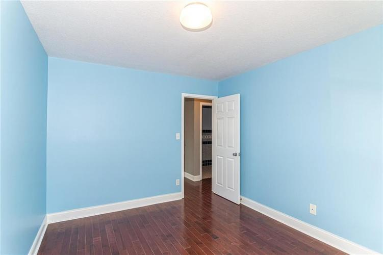 2015 N College Avenue Indianapolis, IN 46202 | MLS 21668110 | photo 17