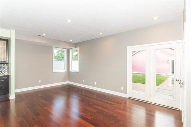 2015 N College Avenue Indianapolis, IN 46202 | MLS 21668110 | photo 4