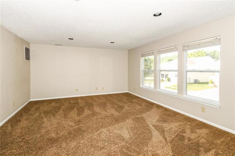 5321 Skipping Stone Drive Indianapolis, IN 46237 | MLS 21668129 | photo 13