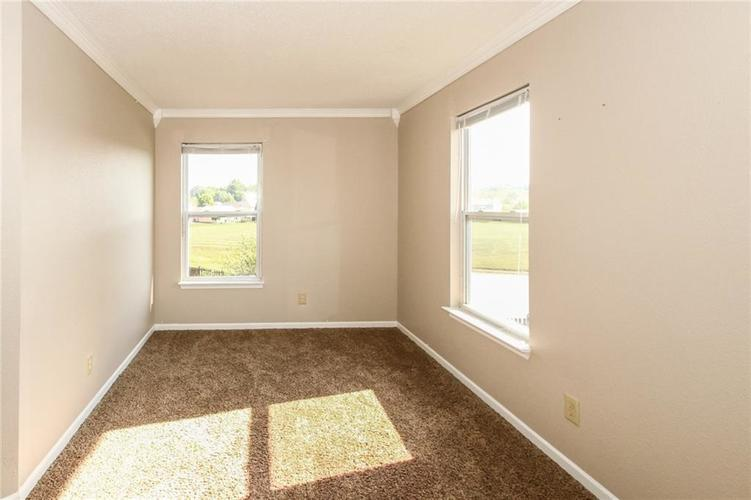 5321 Skipping Stone Drive Indianapolis, IN 46237 | MLS 21668129 | photo 17