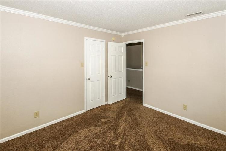 5321 Skipping Stone Drive Indianapolis, IN 46237 | MLS 21668129 | photo 21