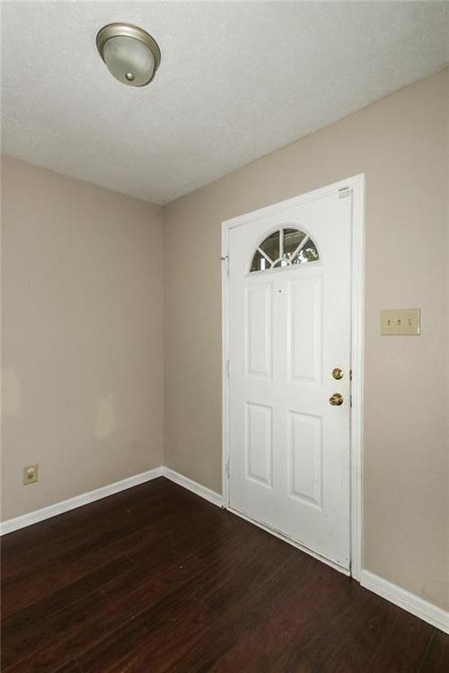 5321 Skipping Stone Drive Indianapolis, IN 46237 | MLS 21668129 | photo 3