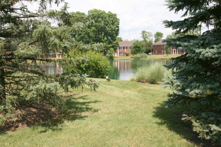 921B Hoover Village Drive Indianapolis, IN 46260 | MLS 21668147 | photo 22