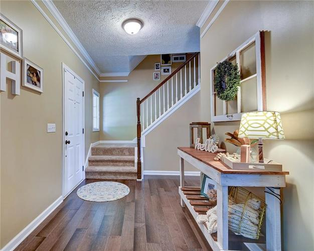 9013 SOMMERWOOD Drive Noblesville, IN 46060 | MLS 21668159 | photo 2