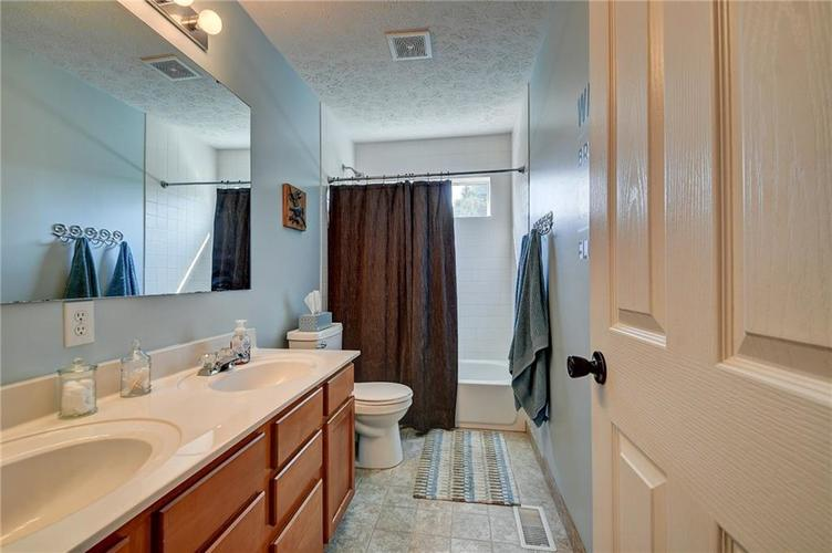 9013 SOMMERWOOD Drive Noblesville, IN 46060 | MLS 21668159 | photo 21