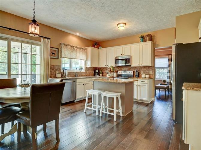 9013 SOMMERWOOD Drive Noblesville, IN 46060 | MLS 21668159 | photo 5