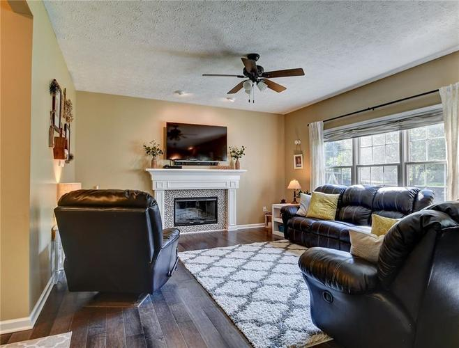 9013 SOMMERWOOD Drive Noblesville, IN 46060 | MLS 21668159 | photo 6