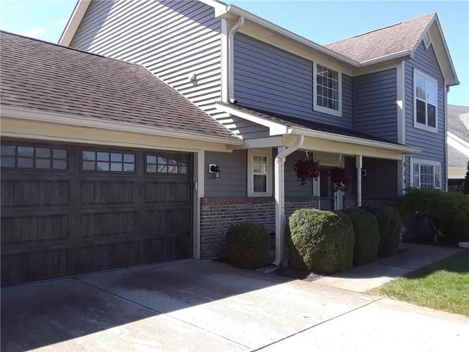 929 Eagle Brook Drive Shelbyville, IN 46176 | MLS 21668160 | photo 3