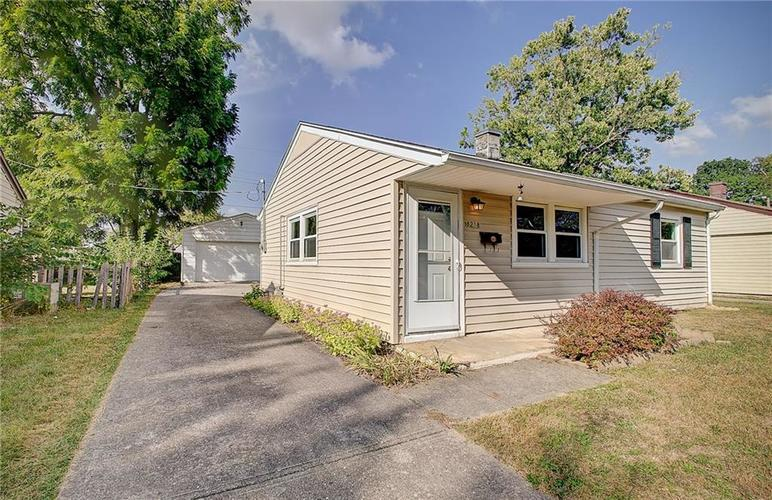 8218 E 50th Street Indianapolis, IN 46226   MLS 21668171   photo 2