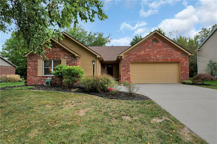 13783 ROSWELL Drive Carmel, IN 46032 | MLS 21668178 | photo 1