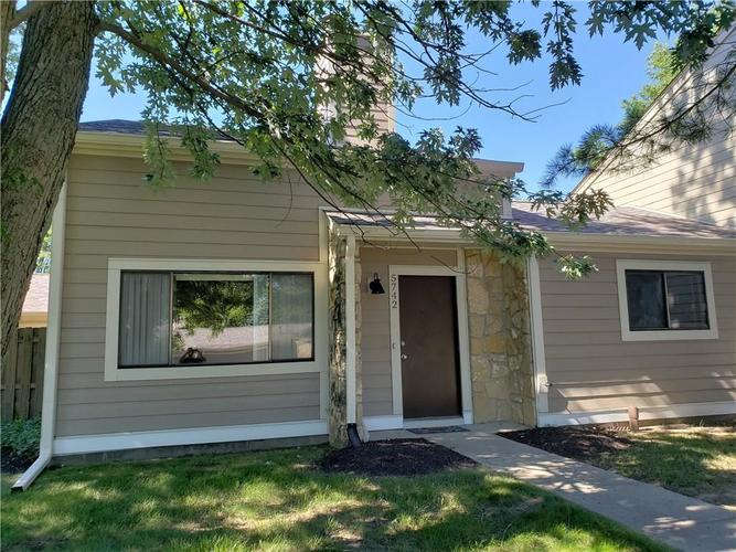 5742 Overcrest Drive Indianapolis, IN 46237 | MLS 21668207 | photo 2