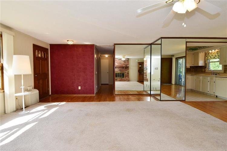 4410 Cardinal Drive Indianapolis, IN 46237 | MLS 21668227 | photo 6