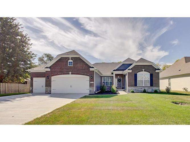 686  Westberry Lane Greenwood, IN 46142 | MLS 21668358