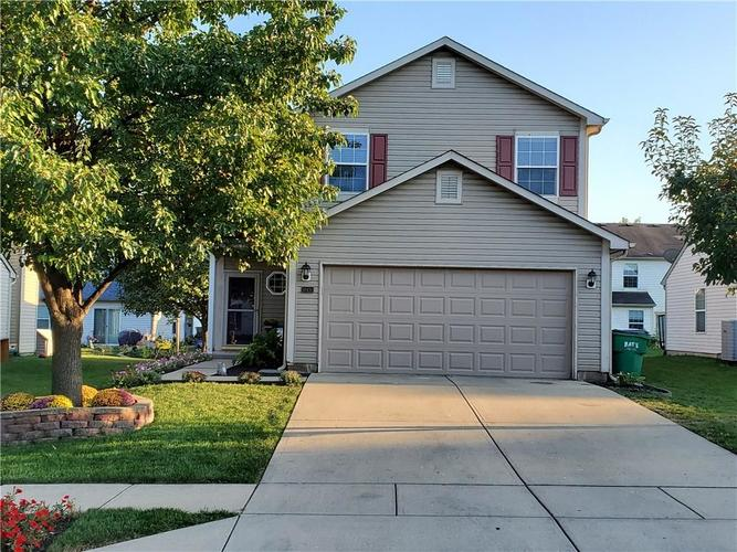 10431 WINTERGREEN Indianapolis, IN 46234 | MLS 21668372 | photo 1