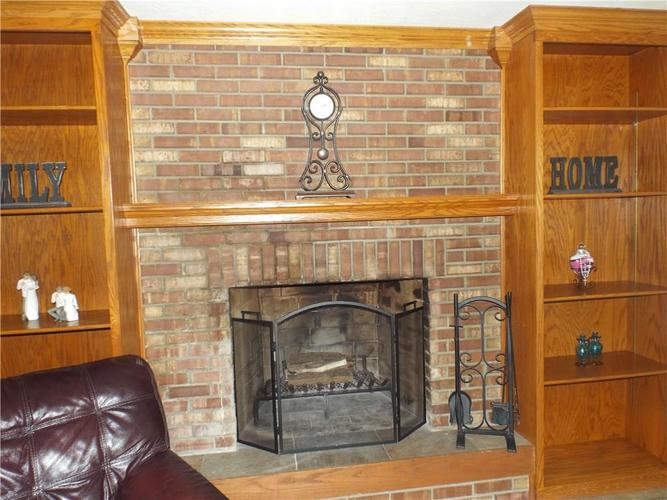 4214 Shelbyville Road Indianapolis, IN 46237 | MLS 21668406 | photo 17