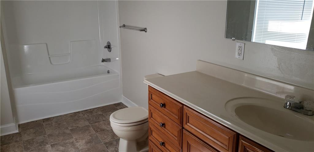 3301 S McClure Indianapolis, IN 46221 | MLS 21668454 | photo 10