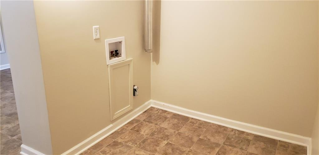 3301 S McClure Indianapolis, IN 46221 | MLS 21668454 | photo 14