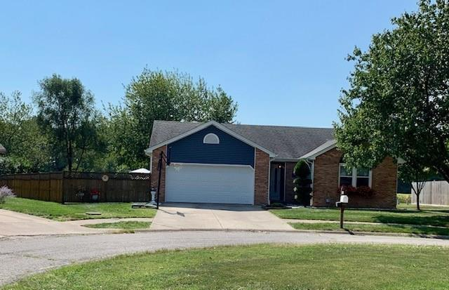 2643 Cedarcrest Drive Columbus, IN 47203 | MLS 21668479 | photo 1