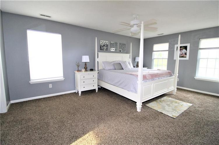 570 N COUNTY RD 1050 E Indianapolis, IN 46234 | MLS 21668511 | photo 12