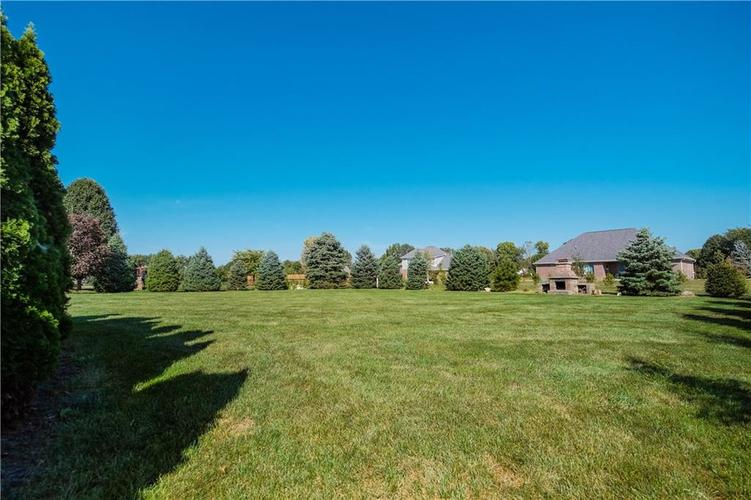 10670 E County Road 600 N Indianapolis, IN 46234 | MLS 21668574 | photo 10
