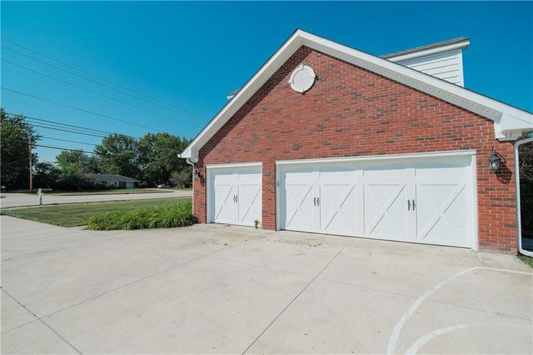 10670 E County Road 600 N Indianapolis, IN 46234 | MLS 21668574 | photo 6