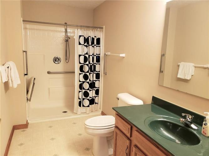 522 CRESTHAVEN Drive Indianapolis, IN 46217 | MLS 21668622 | photo 21