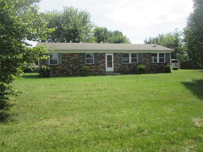 3056 W County Road 425 South Greencastle, IN 46135 | MLS 21668667 | photo 1