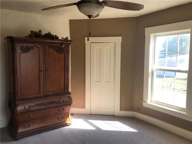 389 S Lincoln Street Martinsville, IN 46151 | MLS 21668683 | photo 10