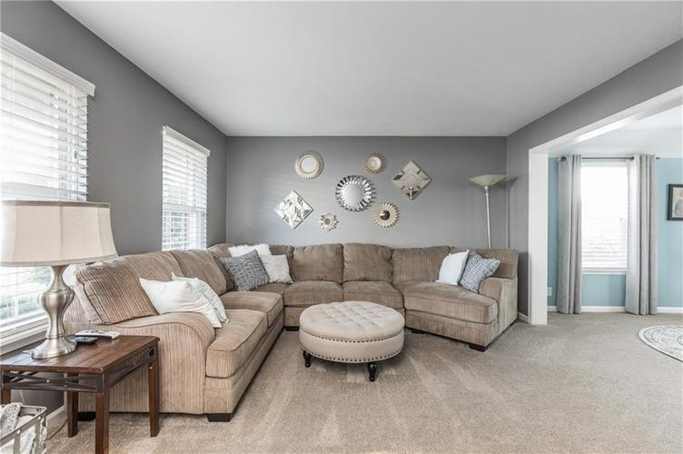 7919 Rock Rose Court Indianapolis, IN 46237 | MLS 21668728 | photo 6