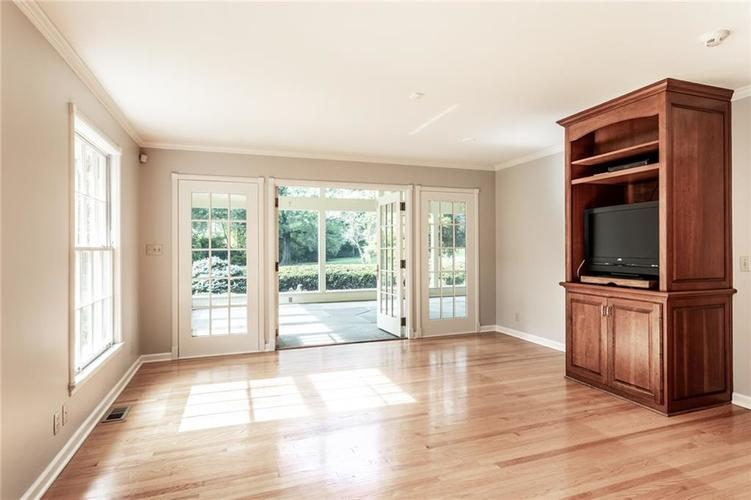 433 PINE Drive Indianapolis, IN 46260 | MLS 21668739 | photo 16