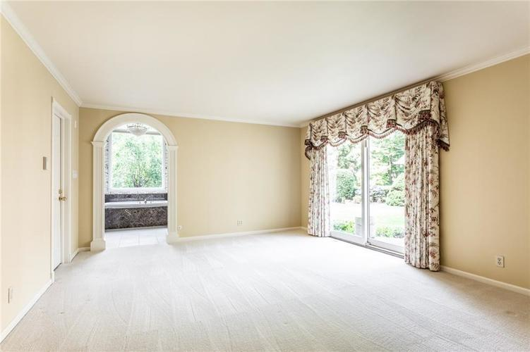433 PINE Drive Indianapolis, IN 46260 | MLS 21668739 | photo 20