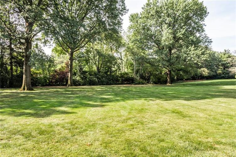433 PINE Drive Indianapolis, IN 46260 | MLS 21668739 | photo 3