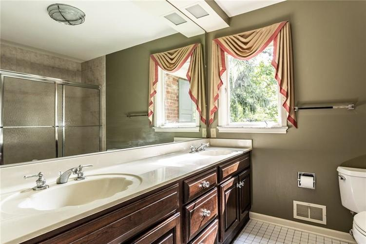 433 PINE Drive Indianapolis, IN 46260 | MLS 21668739 | photo 30