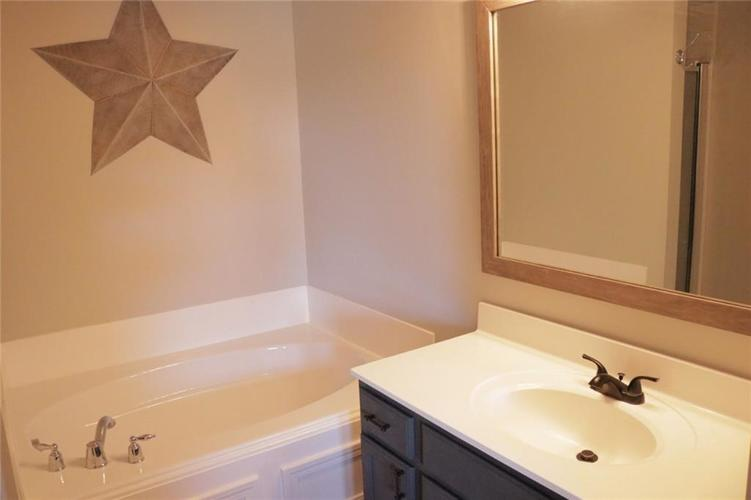 12576 Pinetop Way Noblesville, IN 46060   MLS 21668794   photo 15
