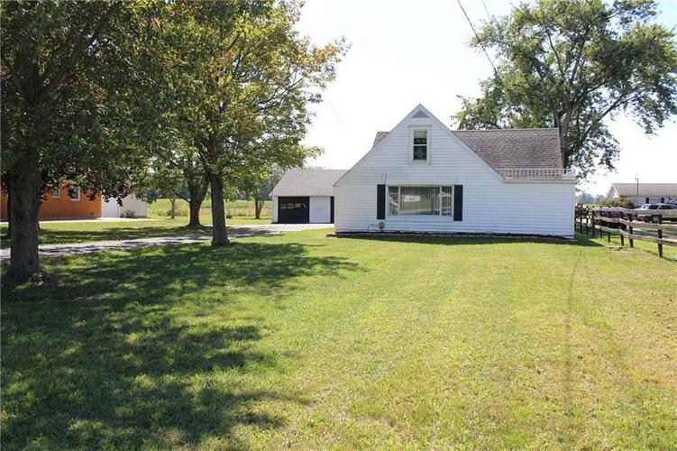 4621 W State Road 32  Anderson, IN 46011 | MLS 21668868