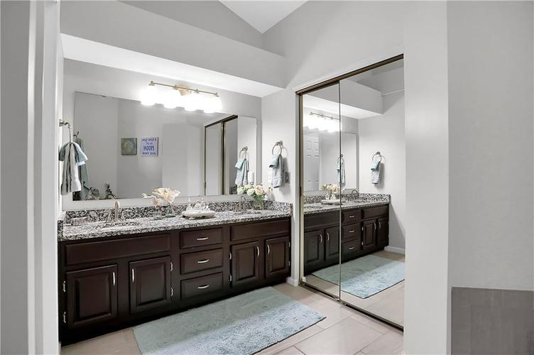 11959 Halla Place Fishers, IN 46038   MLS 21668884   photo 23