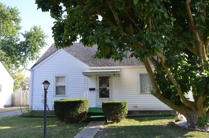 1217 E 31st Street Anderson IN 46016 | MLS 21668901 | photo 1