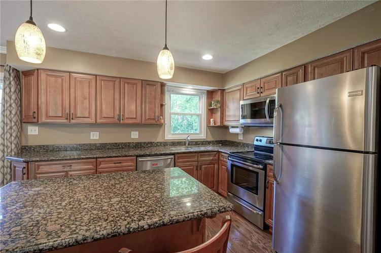 10022 E 86th Street Indianapolis, IN 46256 | MLS 21668935 | photo 12