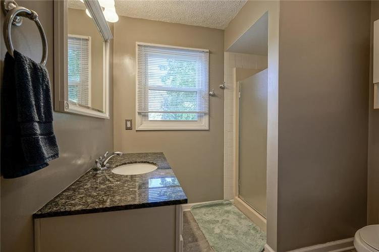 10022 E 86th Street Indianapolis, IN 46256 | MLS 21668935 | photo 16