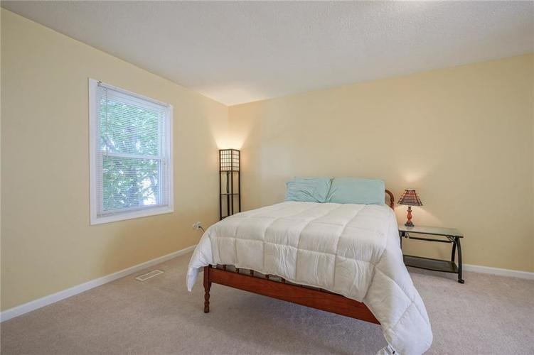 10022 E 86th Street Indianapolis, IN 46256 | MLS 21668935 | photo 29