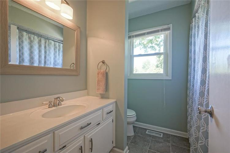 10022 E 86th Street Indianapolis, IN 46256 | MLS 21668935 | photo 33