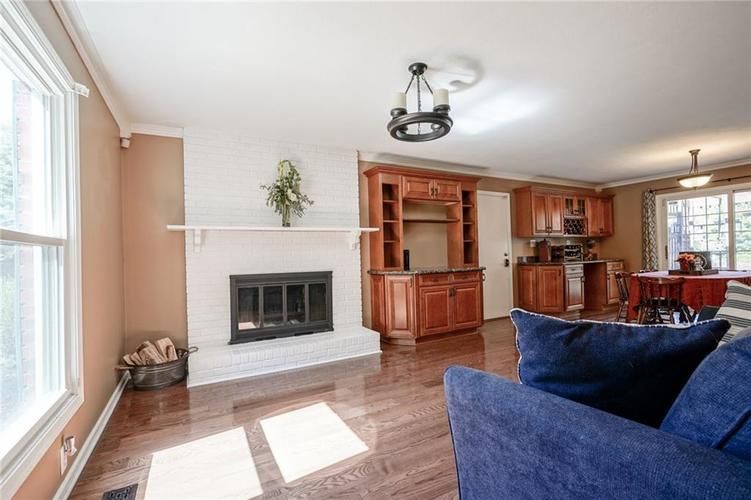 10022 E 86th Street Indianapolis, IN 46256 | MLS 21668935 | photo 7