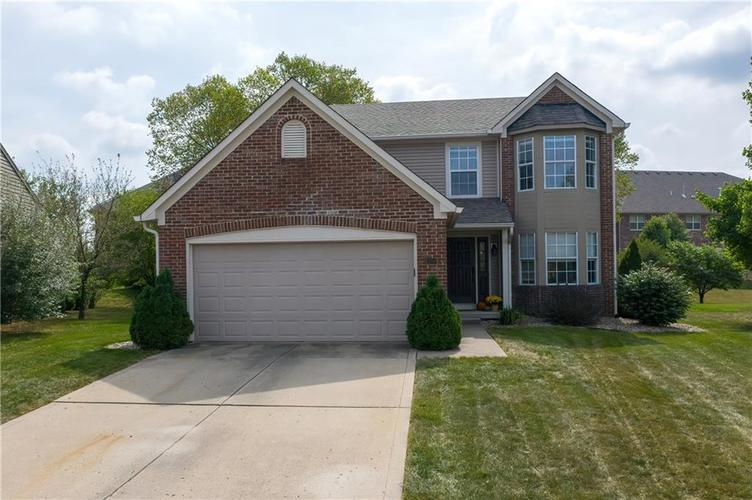10501 Pineview Circle Fishers, IN 46038 | MLS 21669971 | photo 1