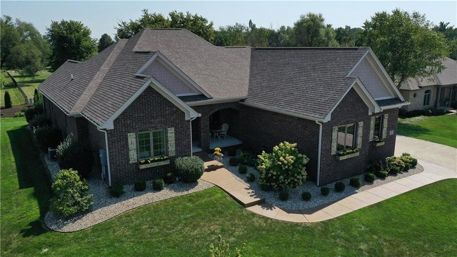 4901  Benthaven Drive Bargersville, IN 46106 | MLS 21670036