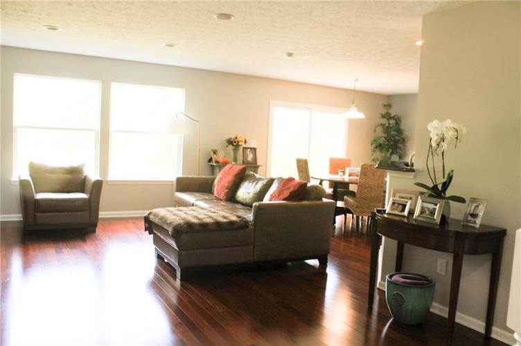 5746 Congressional Place Indianapolis, IN 46235 | MLS 21670041 | photo 2